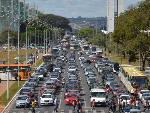 http://www.payparking.com.br/wp-content/uploads/2020/09/combustivel-transito-mobilidade-trafego-1-640x480.jpg
