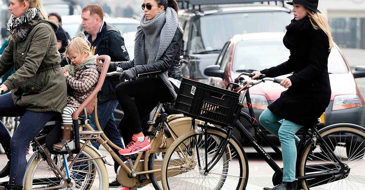 http://www.payparking.com.br/wp-content/uploads/2021/01/cidades-bicicletas-do-que-carros.jpg